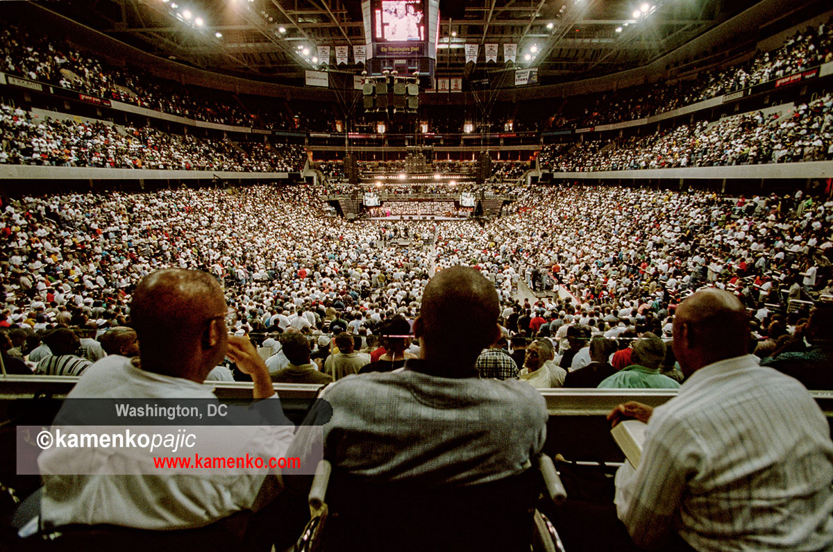 Audience listens to Bishop T.D. Jakes at the Verizon Center